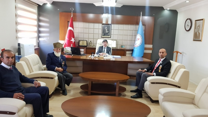 'EYLEMİ YAPANLARIN GAZİLİKLE ALAKALARI YOK'